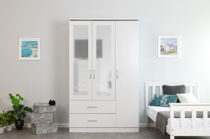 Kinsbury White Oak 3 Door Triple Mirrored Wardrobe