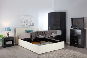 Boston Off White 4ft6 Ottoman Storage Bed